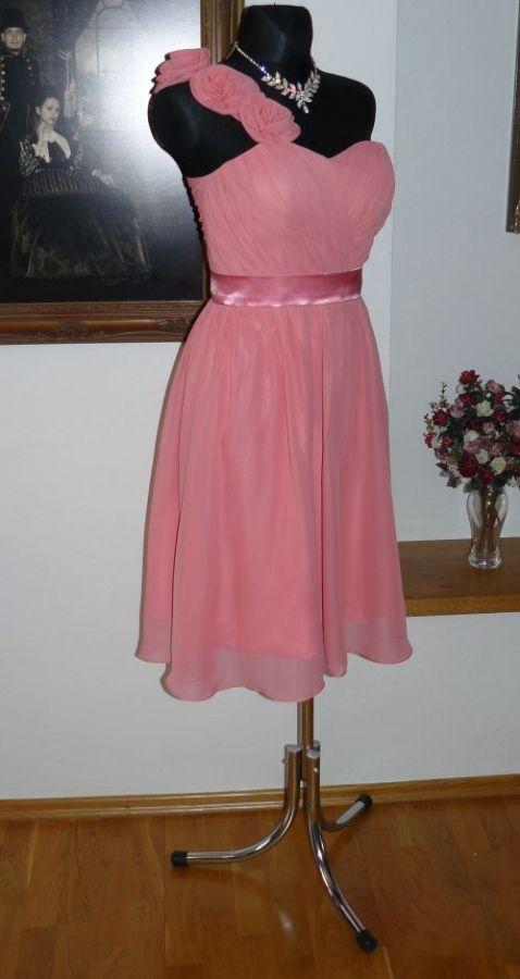 společenské šaty » krátké společenské » krátké skladem » do 2000Kč · společenské  šaty » krátké společenské » krátké skladem » krátké oranžové 275edaa453